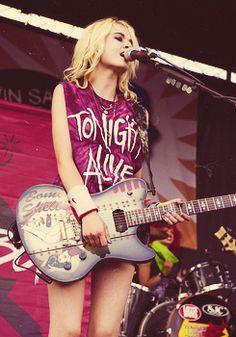 Cherri Bomb<<<okay but can we talk about Miranda's shirt please?!