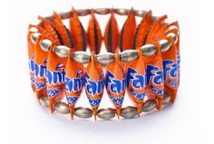 Orange Crush - Crazy Shoes and Cool Accessories: If Style Could Kill Recycled Jewelry, Recycled Crafts, Diy Jewelry, Jewelry Design, Diy Crafts, Jewellery, Jewelry Ideas, Bottle Cap Bracelet, Bottle Caps