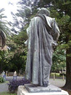 Monumento a Velázquez, 1900. Bronce y mármol. Museo de Calcos Ernesto Cárcova (Deposito del Museo de Bellas Artes), Buenos Aires .