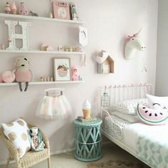 Super cute and girly room! #Love: