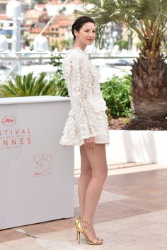 HQ Pictures of Caitriona Balfe and the cast of 'Money Monster' at the Cannes Film Festival Photocall See more pictures after the jump