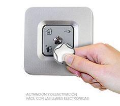 Lector de llaves.    Conecta tu alarma sin códigos:  Entrar en tu casa y desactivar tu #alarma es ahora más sencillo, sin necesidad de recordar complicados códigos.