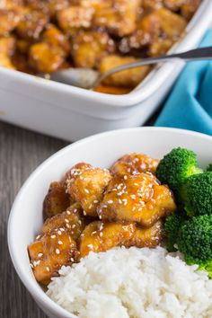 This Sweet and Sour Chicken with Orange and Maple Syrup Glaze is a new family favorite! It is a perfect dinner idea for the whole family! Maple Syrup Glaze, Maple Syrup Recipes, Chinese Sesame Chicken, Sweet N Sour Chicken, Chicken Bites, Bite Size, Food Network Recipes, Dishes, Cooking