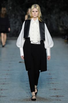 Dice Kayek Spring 2016 Couture Fashion Show  http://www.vogue.com/fashion-shows/spring-2016-couture/dice-kayek/slideshow/collection#28   http://www.theclosetfeminist.ca/
