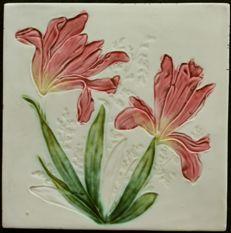 Georg Schmider - Art Nouveau tile with flowers