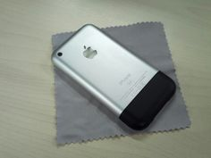 Old iPhone 2G