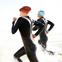 Woman doing a triathlon Need-to-Know tips for Newbie Triathletes 10 Training tips for Triathlon Beginners