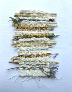 Ines Seidel est linguiste de formation. Ses oeuvres tissent mots, bois et textiles. Ses dessins mêlent travaux d'aiguilles et papiers, couture et livres.