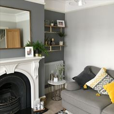 Living Room Grey, Small Living Rooms, Living Room Interior, Home Living Room, Living Room Decor, Gray Interior, Interior Design, Victorian Living Room, Fireplace Bookshelves
