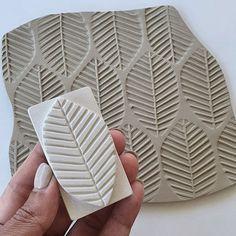 Hand Built Pottery, Slab Pottery, Ceramic Pottery, Texture Maker, Clay Texture, Ceramic Techniques, Pottery Techniques, Diy Clay Earrings, Clay Stamps