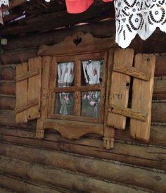"Окно под старину ""Бабуля"" Rustic Wood Furniture, Log Furniture, Rustic Style, Rustic Decor, Outdoor Sauna, Door Gate Design, Storybook Homes, Wood Joints, Rustic Cabinets"