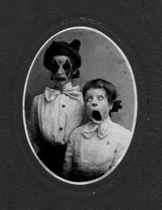 Explore amazing art and photography and share your own visual inspiration! Creepy Art, Scary, Death Pics, Creepy Vintage, Flipper, Creepy Pictures, Macabre Art, Dark Photography, Gothic Art