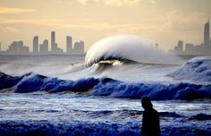 Afternoon offshores creating some perfection at Kirra. Great surfing picture.