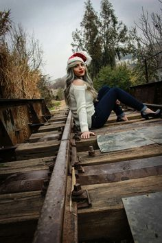 My new project..  #Details . (A princess on the railway)  Time : 8 : 55 am  Data : 14 / 2 / 2017   Make : Canon  Model : Canon EOS 700D  Lens : EF-S18-55mm f/3,5   Photographer Nahed Mater 2017..  All project in Instagram .. Nahed Mater  A #princess : Sh G Yroosh.   #Listen to this track with #photos..  https://m.soundcloud.com /user-750973033/leo-moracchioli-hurt