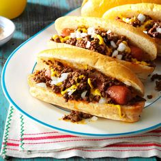 "Rhode Island Hot Wieners Recipe -Many Rhode Islanders spell wiener with an ""ei"" and serve theirs ""all the way"" with meat sauce, mustard, onion and a sprinkle of celery salt. Hot Dog Recipes, Chili Recipes, Meat Recipes, Cooking Recipes, Hamburger Recipes, Sauce Recipes, Casserole Recipes, Hot Dog Chili, Chili Dogs"