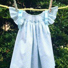 He encontrado este interesante anuncio de Etsy en https://www.etsy.com/es/listing/238321042/baby-blue-dress-summer-time-hand-made