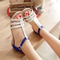 Sandalias de cuerina