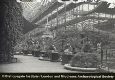 Interior of the Crystal Palace Uk History, London History, Crystal Palace, Hyde Park, Exhibition Building, Palace London, Victorian Buildings, Le Palais, Expositions
