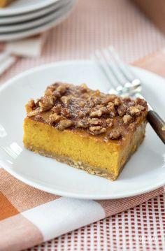 Pumpkin Pie Bars - Delicious Fall Dessert Recipe #pumpkinpie #pumpkin #fall #fallbaking #dessert #recipe Fall Dessert Recipes, Fall Desserts, Fruit Recipes, Pumpkin Recipes, Baking Recipes, Delicious Desserts, Baking Ideas, Fall Recipes, Yummy Recipes