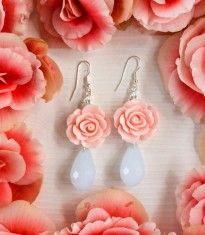 Romantic rose jewelry @iam_accessories #roses #jewelry #romantic