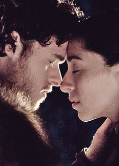 Game of Thrones Robb & Talisa One of my all time OTPs, I know it got both of them killed but I loved their love Winter Is Comming, Winter Is Here, Game Of Thrones Houses, Game Of Thrones Fans, Movie Couples, Cute Couples, Game Of Thrones Instagram, Game Of Thrones Locations, A Clash Of Kings