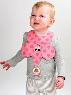 A bib and Binky® holder all in one! Your little ones can always have their binkies on hand and ready to go when they want them with these ingenious bibs. Baby Sewing Projects, Sewing For Kids, Baby Knitting, Crochet Baby, Couture Bb, Burp Rags, Bib Pattern, Binky, Baby Crafts