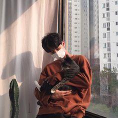 Imagen cat and ulzzang boy Boys Korean, Korean Boys Ulzzang, Ulzzang Couple, Asian Boys, Ulzzang Girl, Ulzzang Fashion, Beautiful Boys, Pretty Boys, Ullzang Boys