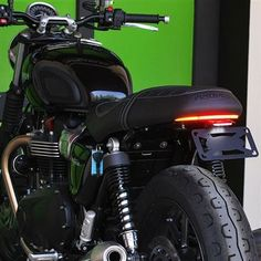 Take a peek at our niche site for a little more on the subject of this remarkable scrambler motorcycle diy Triumph Cafe Racer, Triumph Street Scrambler, Triumph T100, Triumph Bonneville, Triumph Motorcycles, Cafe Racers, Indian Motorcycles, Mv Agusta, Triumph Street Twin Custom
