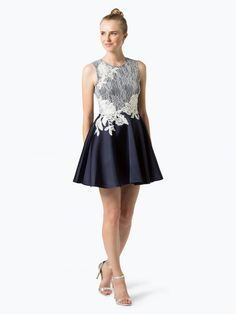 Lipsy rozkloszowana sukienka koktajlowa z koronką Formal Dresses, Fashion, Dresses For Formal, Moda, Formal Gowns, Fashion Styles, Formal Dress, Gowns, Fashion Illustrations