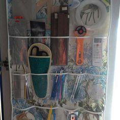 Kumaştan Şeffaf Cepli Organizer Yapılışı 9 Baby Shower, Organization, Sewing, Retro, Painting, Fabric Purses, Projects, Babyshower, Getting Organized