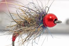 Tying flies & fly tying materials: a website with tips & tricks about how to tie specific flies. A corner for beginner fly tiers & lots of interestig articles.