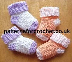 Baby Crochet Baby Socks Free Baby Crochet Pattern - Crochet 'n' Create - Easy baby socks crochet pattern, worked from the cuff downwards. Keep babies feet warm and cosy, they take very little yarn to make and can be crocheted in a short amount of time. Crochet Baby Socks, Crochet Socks Pattern, Booties Crochet, Crochet Baby Clothes, Crochet For Kids, Baby Knitting, Free Crochet, Crochet Patterns, Crochet Slippers