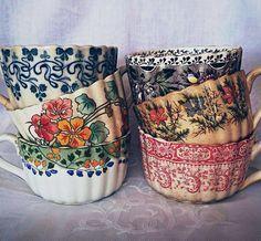 China Kitchen – home accessories Ceramic Pottery, Ceramic Art, Keramik Design, Vintage Dishes, Vintage Cups, Cute Mugs, Tea Set, Home Deco, Tea Time