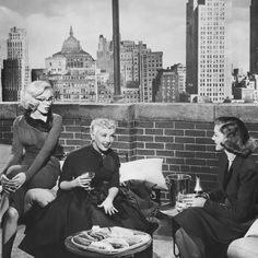 Hot Dogs & Champagne in How to Marry a Millionaire (1953)