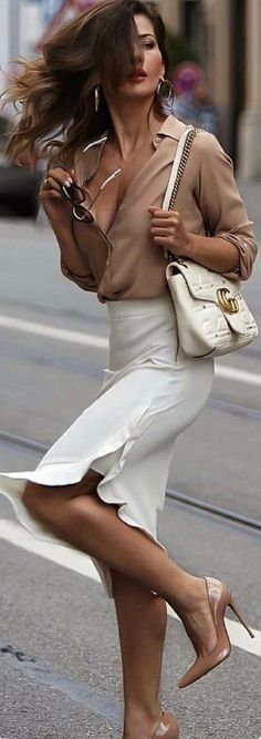 Liu Jo Skirt – Fall Outfit Idea by Short Stories and Skirts Blouse and skirt combo Fashion Mode, Work Fashion, Fashion Outfits, Womens Fashion, Modest Fashion, Trendy Fashion, Fashion Heels, Office Fashion, City Fashion