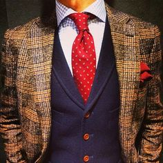 emsemble @lupi_alessandro - The red & blues of the vest, tie & shirt don't coordinate very well with the brown/tan check of a really nice jacket !