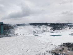 Have you guys ever seen the Niagara Falls frozen? Niagara Falls Frozen, Explore, Guys, Nature, Travel, Naturaleza, Viajes, Destinations, Traveling