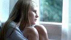 8 ATITUDES TÍPICAS DE PESSOAS QUE TÊM DEPRESSÃO, MAS NÃO DEMONSTRAM: