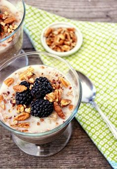 Make your breakfast easier with this quick Overnight Oats recipe that you make the night before and eat right away in the morning. How easy is that?