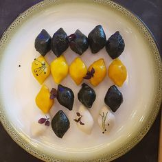 Showcasing the Song Pyun (Korean Rice Cake) at Anigré. Experience the new asian taste to pamper your tastebuds.  #Anigre #hotel #Chuseok #Korean #foodhealth #luxuryhotel #sheratongrandjakarta