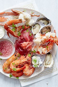 When it comes to celebrating an Australian Christmas there's nothing more essential than a fresh seafood platter full of our country's best offerings. This delicious recipe lets our seafood shine. Seafood Lasagna Recipes, Linguine Recipes, Seafood Buffet, Seafood Menu, Best Seafood Recipes, Seafood Gumbo, Seafood Platter, Seafood Appetizers, Seafood Pasta