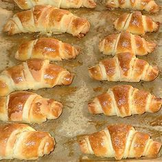 Joghurtos-sós kifli - Blikk Rúzs Hungarian Desserts, Hungarian Recipes, Hungarian Food, Healthy Salty Snacks, Ital Food, Low Carb Recipes, Cooking Recipes, Sweet Pastries, Gourmet