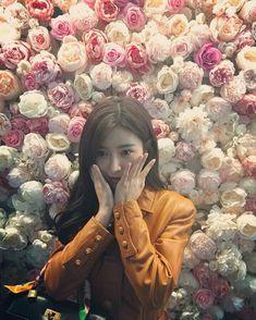Kim So Eun, Kim Myung Soo, Best Friend Quotes, Korean Actresses, Flowers, Instagram, Cute, Best Friend Captions, Short Friendship Quotes