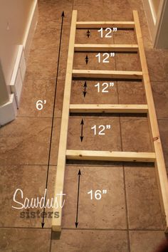 DIY Blanket Ladder. Build it for $6! Sawdustsisters.com Diy Home Decor Projects, Easy Home Decor, Diy Wood Projects, Wood Crafts, Decor Ideas, Decorating Ideas, Craft Ideas, Theme Ideas, Best Diy Projects
