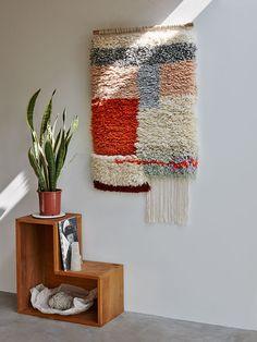 Yeah Wall Rug by Mae Engeleer Weaving Textiles, Tapestry Weaving, Diy Carpet, Rugs On Carpet, Rya Rug, Tapestry Kits, Rug Studio, Latch Hook Rugs, Crochet Cushions