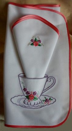 images attach b 4 103 519 Types Of Embroidery, Embroidery Applique, Machine Embroidery, Embroidery Designs, Crochet Home, Crochet Motif, Linen Napkins, Table Toppers, Embroidery Techniques