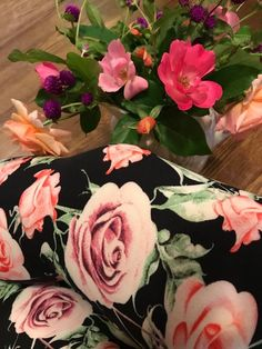 Trying to keep Summer alive with these floral leggings from abby + anna boutique! Buttery soft leggings for only $15-$17! Basic Leggings, Floral Leggings, Buttery Soft Leggings, Anna, Boutique, Rose, Flowers, Plants, Summer