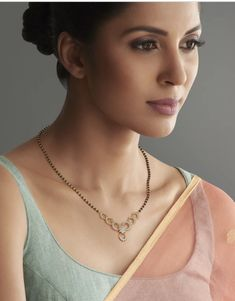 Jewelry Design Earrings, Gold Earrings Designs, Necklace Designs, Gold Jewelry, Jewelery, Diamond Mangalsutra, Gold Mangalsutra Designs, Gold Chain Design, Bridesmaid Earrings