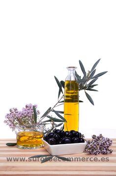 Fotografia de producto para tienda online de alimentacion. Olivas y aceite.