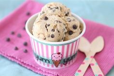 Chocolate Chip Cookie Dough Frozen Yogurt! So easy, that you don't even need an ice cream maker! I am trying this!
